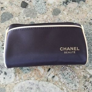 New Chanel Beaute Small Cosmetic Case